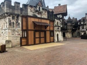 Fabrication d'une porte en Mélèze